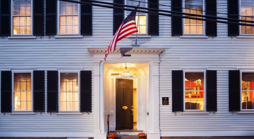 Photo of Harbor Light Inn