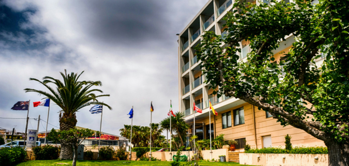 Photo of Avra Hotel