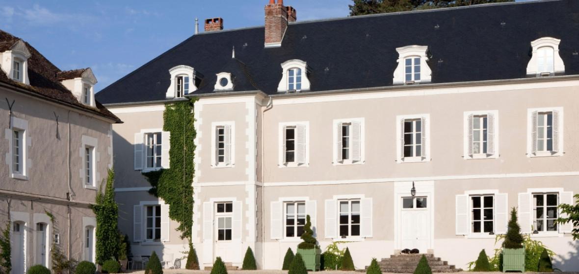 chateau de la resle burgundy france the hotel guru. Black Bedroom Furniture Sets. Home Design Ideas