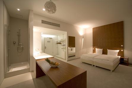 ellington hotel berlin germany expert reviews and highlights the hotel guru. Black Bedroom Furniture Sets. Home Design Ideas