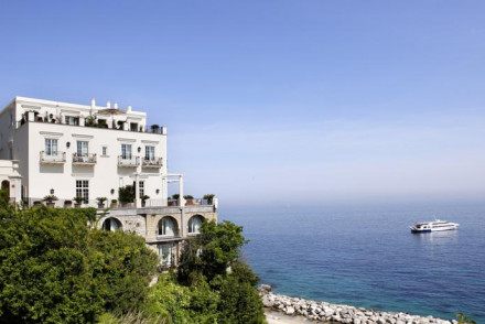 best places to stay in capri italy the hotel guru. Black Bedroom Furniture Sets. Home Design Ideas