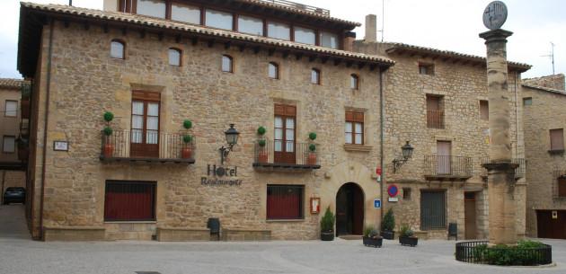 Photo of Hotel Villa de Cretas