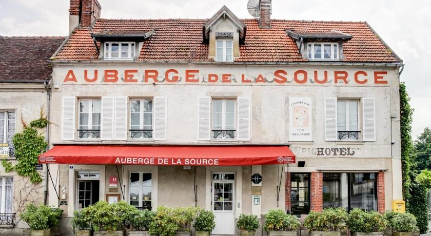Photo of Hotel Auberge de la Source