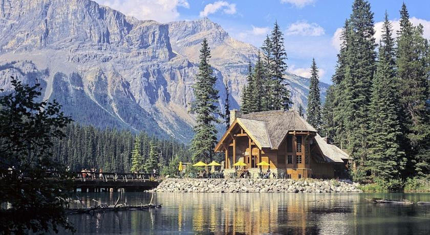 Photo of Emerald Lake Lodge