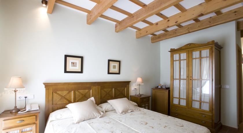 Photo of Hotel Es Mercadal