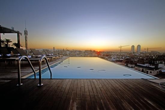 Best hotel pools in europe the hotel guru for Swimming pool show barcelona