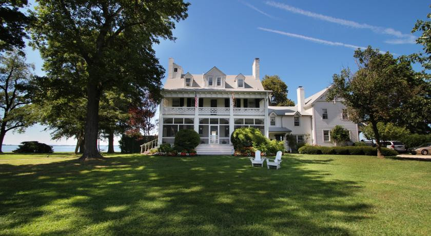 Photo of Wade's Point Inn on the Bay