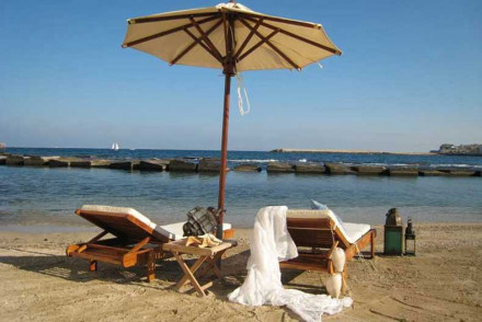 Best places to stay in syracuse italy the hotel guru for Siracusa beach hotel
