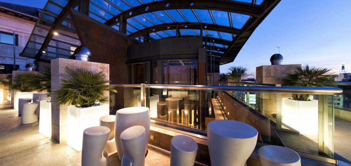Photo of Hotel Urban, Madrid