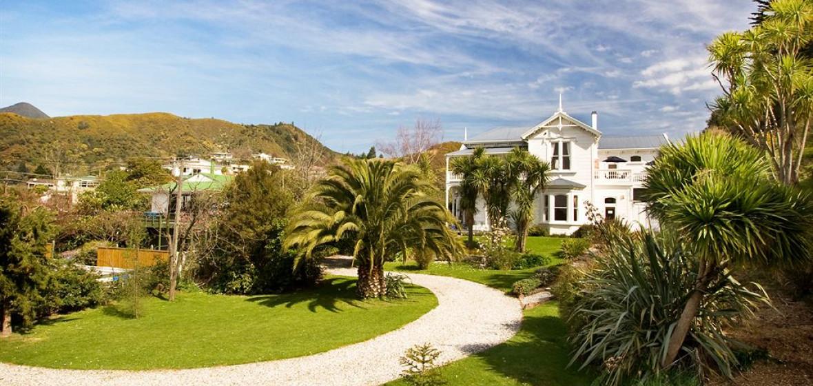Photo of Sennen House