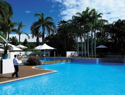 Shangri-La Cairns