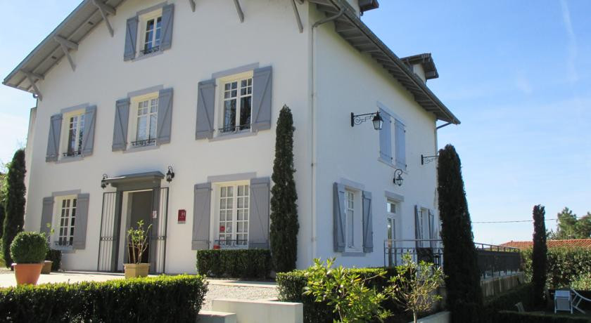 Photo of La Villa Hotel