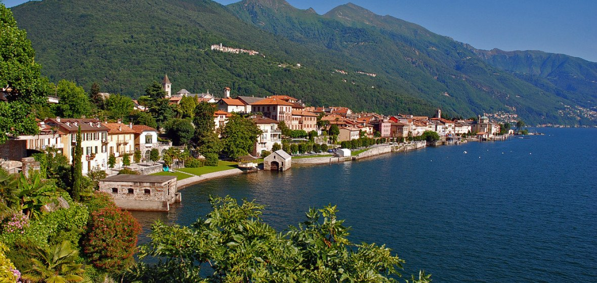 Photo of Lake Maggiore