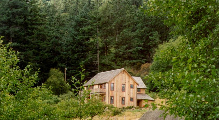 Photo of Turtleback Farm Inn