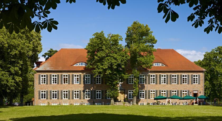 Photo of Hotel Gutshaus Ludorf