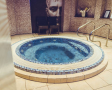 The best hotels in York with a hot tub