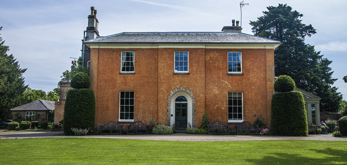 Photo of Langar Hall