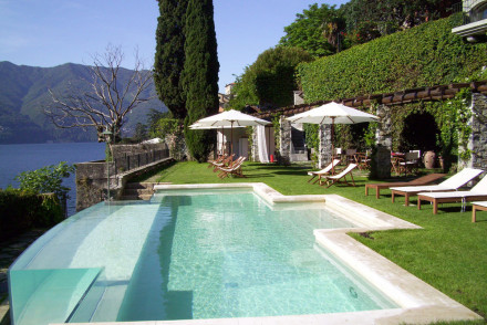 Best places to stay in lake como italy the hotel guru for Top design hotels italy