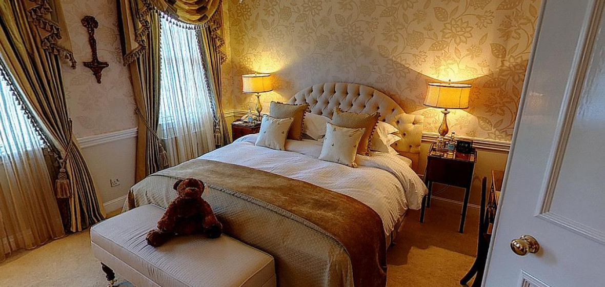 Rooms At Peak Edge Hotel