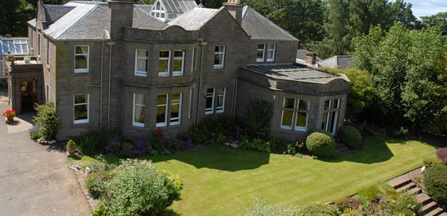 Photo of Castleton House