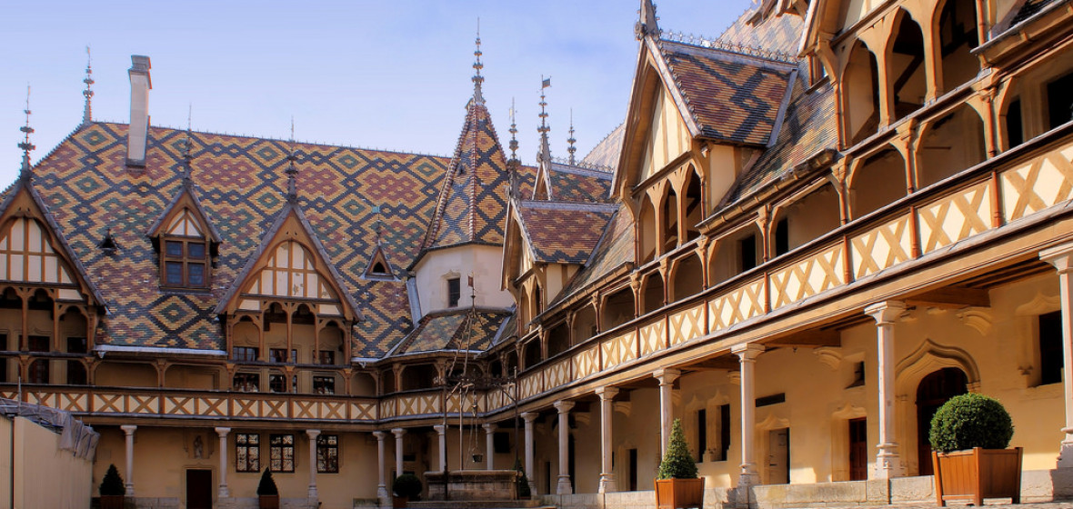 Best places to stay in beaune france the hotel guru for Top hotel france