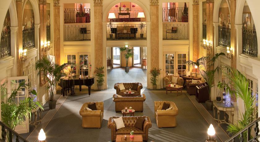 Photo of Hotel Oceania