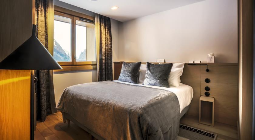 le yule val d isere france discover book the hotel. Black Bedroom Furniture Sets. Home Design Ideas