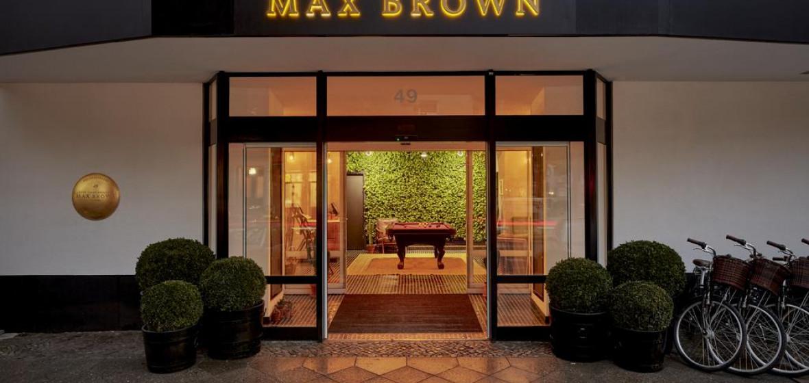 Photo of Max Brown Ku'damm
