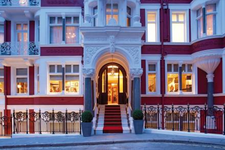 St James's Hotel & Club