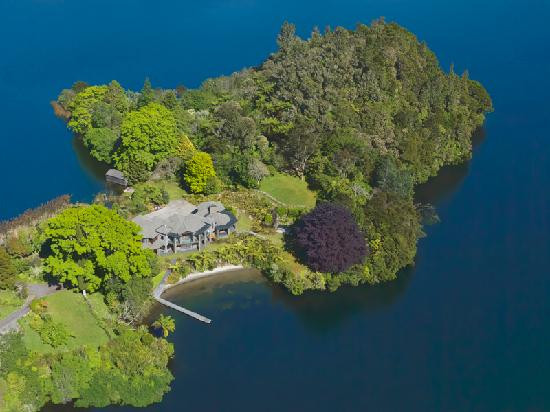Photo of Lake Okareka Lodge by lebua