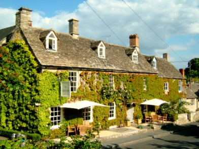 New Inn at Coln