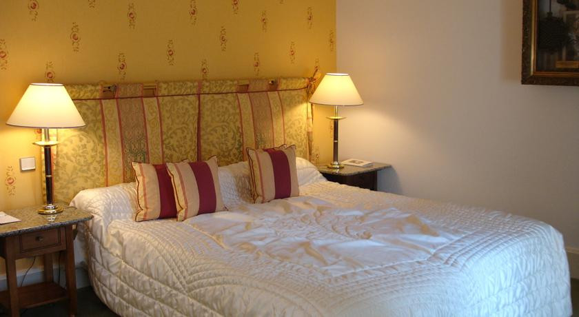 Grand Hotel Du Lion D Or Loire Valley France The Hotel Guru
