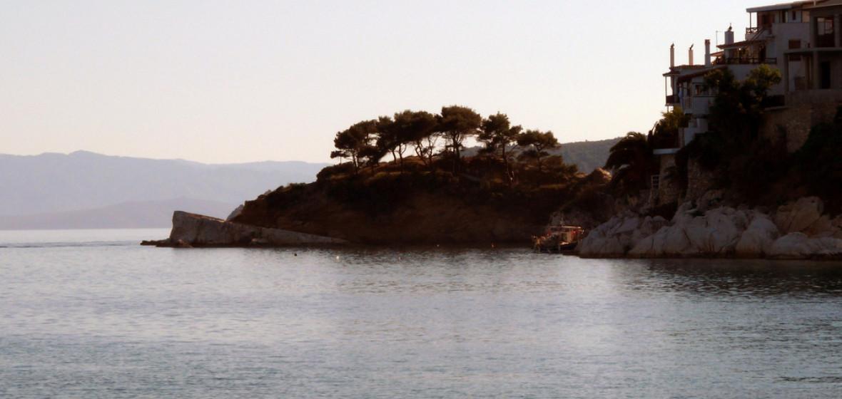 Best places to stay in skiathos greece the hotel guru for Best hotels in skiathos