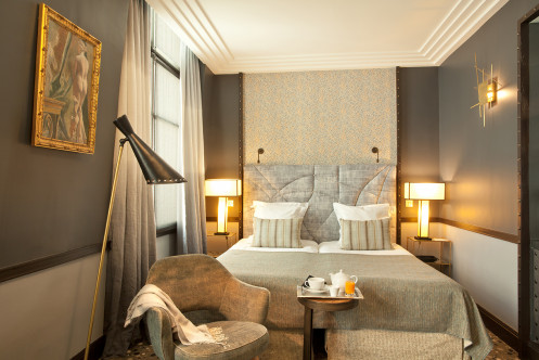 Chic paris hotels france the hotel guru for Hotel luxe france
