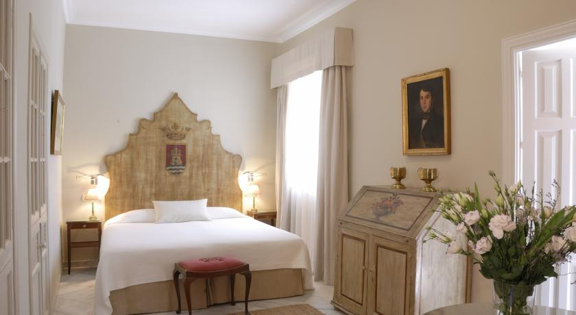 Casa no 7 seville spain discover book the hotel guru for Small intimate hotels