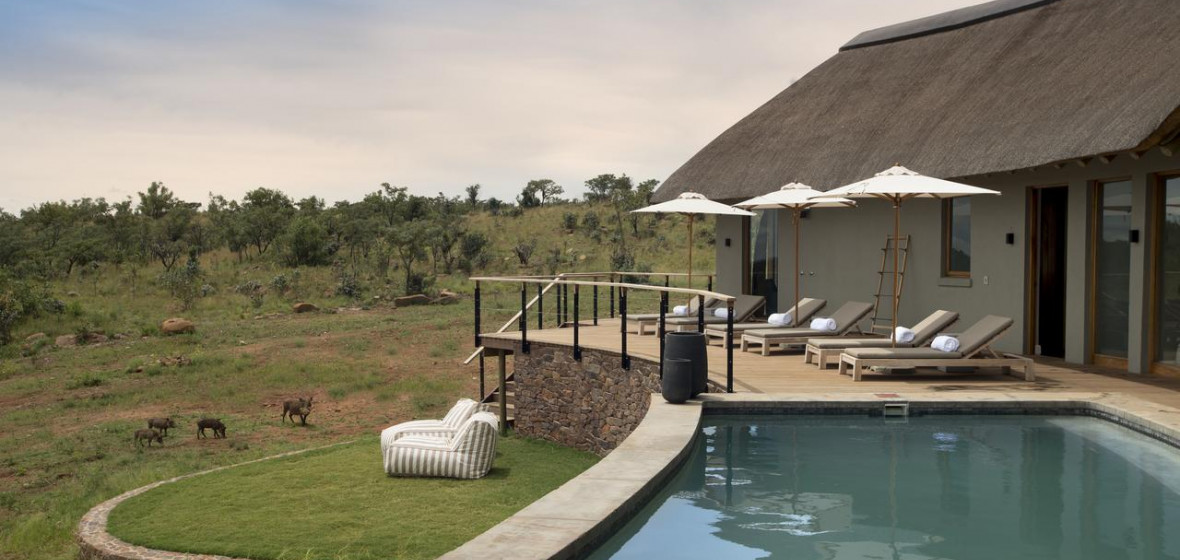 Photo of Mhondoro Safari Lodge & Villa
