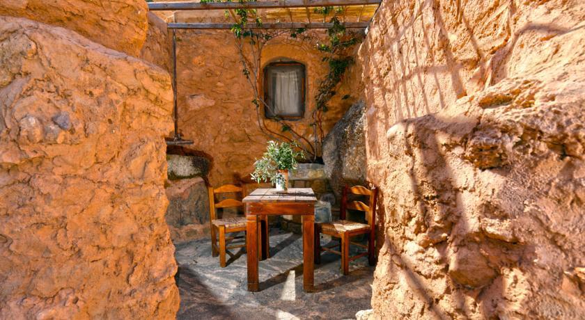 Aspros Potamos Crete Greece Discover Amp Book The