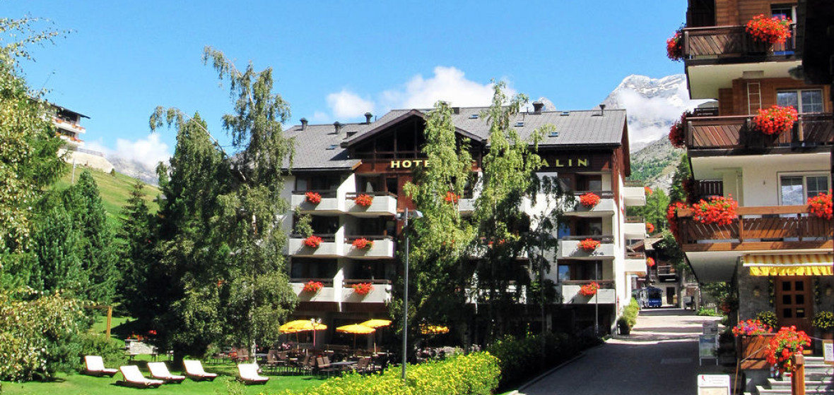Photo of Hotel Allalin