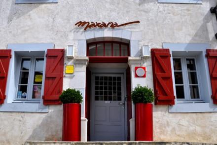 Maison Maxana