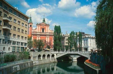 Photo of Slovenia's Secret Makes a Splash