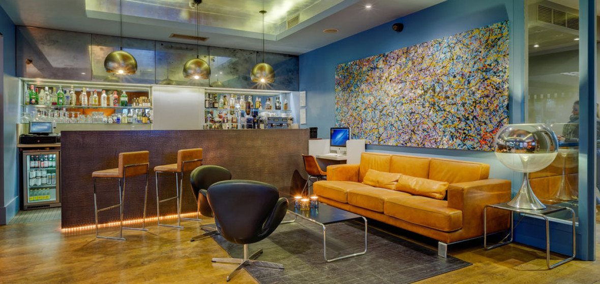 Hotel 55 london uk discover book the hotel guru for Boutique hotels just outside london