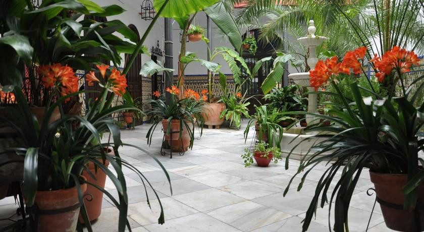 Photo of Hotel Casa de Los Azulejos