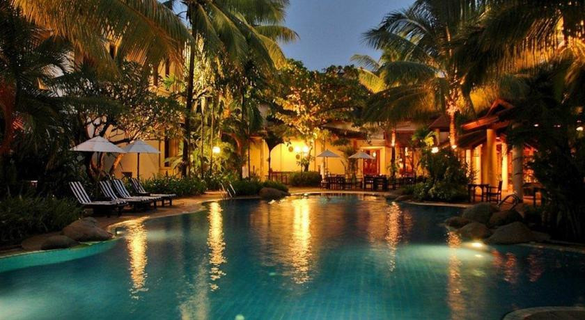 Settha palace hotel vientiane laos the hotel guru - Settha palace hotel swimming pool ...