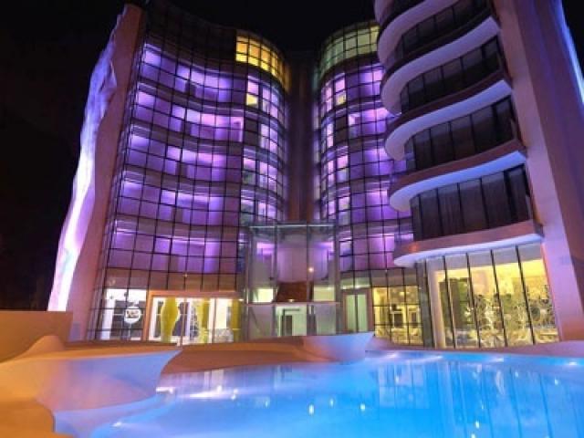 Photo of i-Suite Hotel