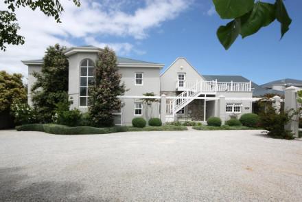 Ocean Eleven Guest House