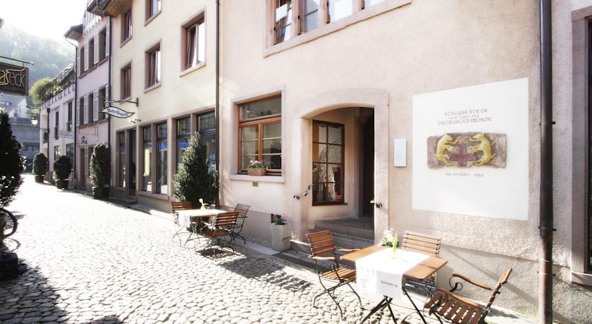 hotel schwarzw lder hof freiburg germany expert. Black Bedroom Furniture Sets. Home Design Ideas