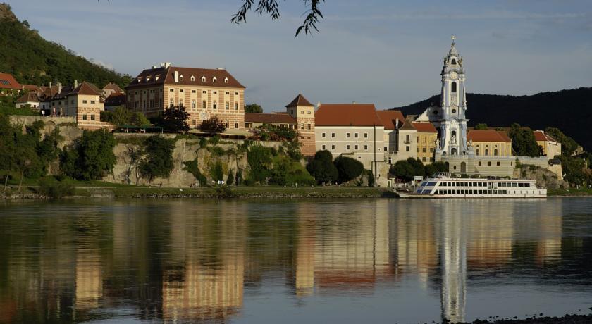 Photo of Hotel Schloss Durnstein