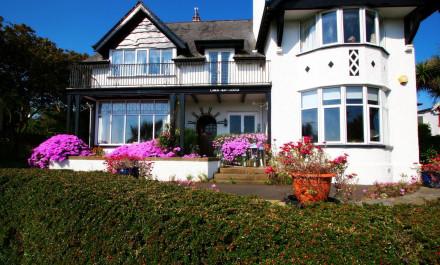 Cairn Bay Lodge