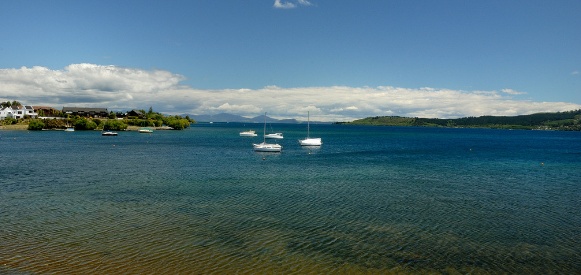 Best places to stay in lake taupo new zealand the hotel for Minimalist house lake taupo