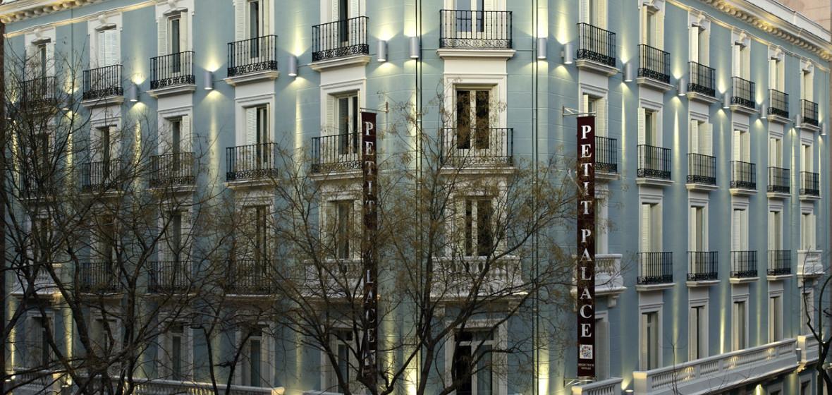 Photo of Hotel Petit Palace Art Gallery